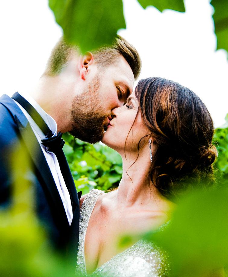 Brautpaarkuss im Weinberg Deidesheim Pfalz