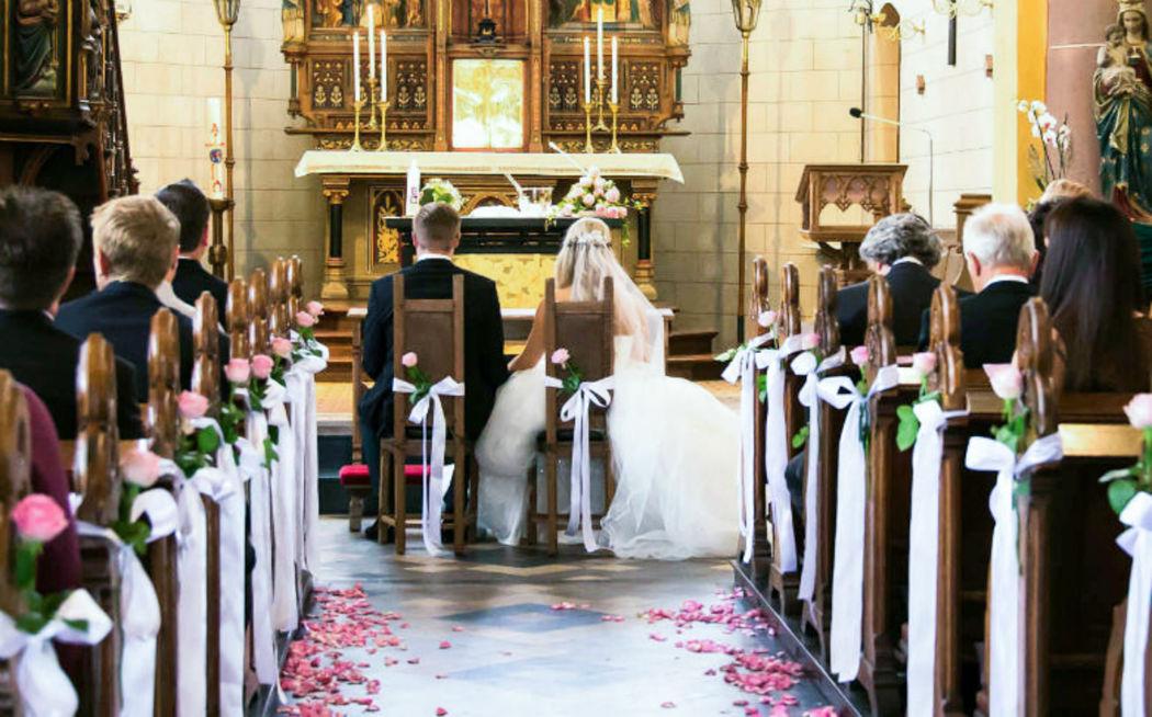 Brautpaar Kirche Pfalz