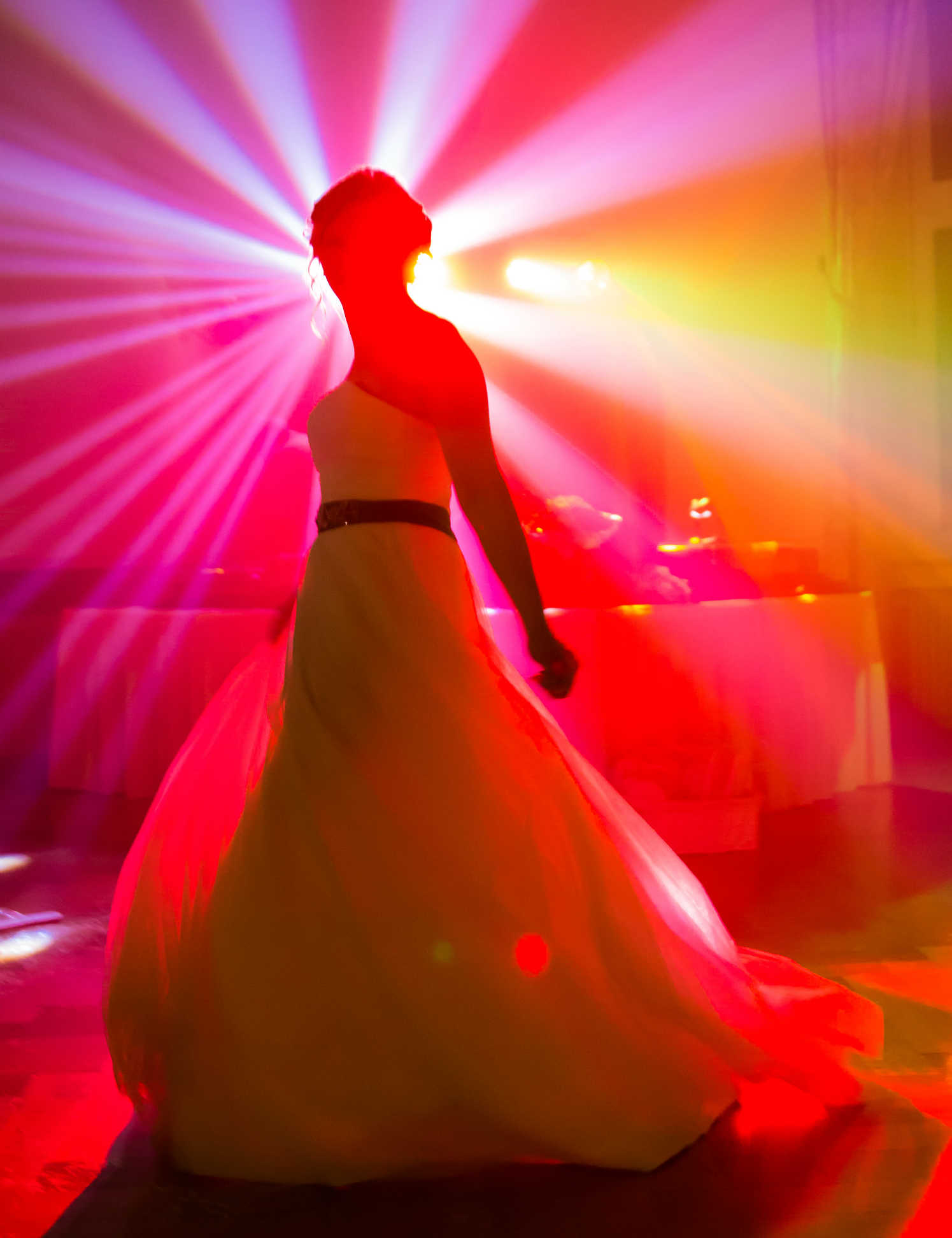 Braut auf der Hochzeitsfeier