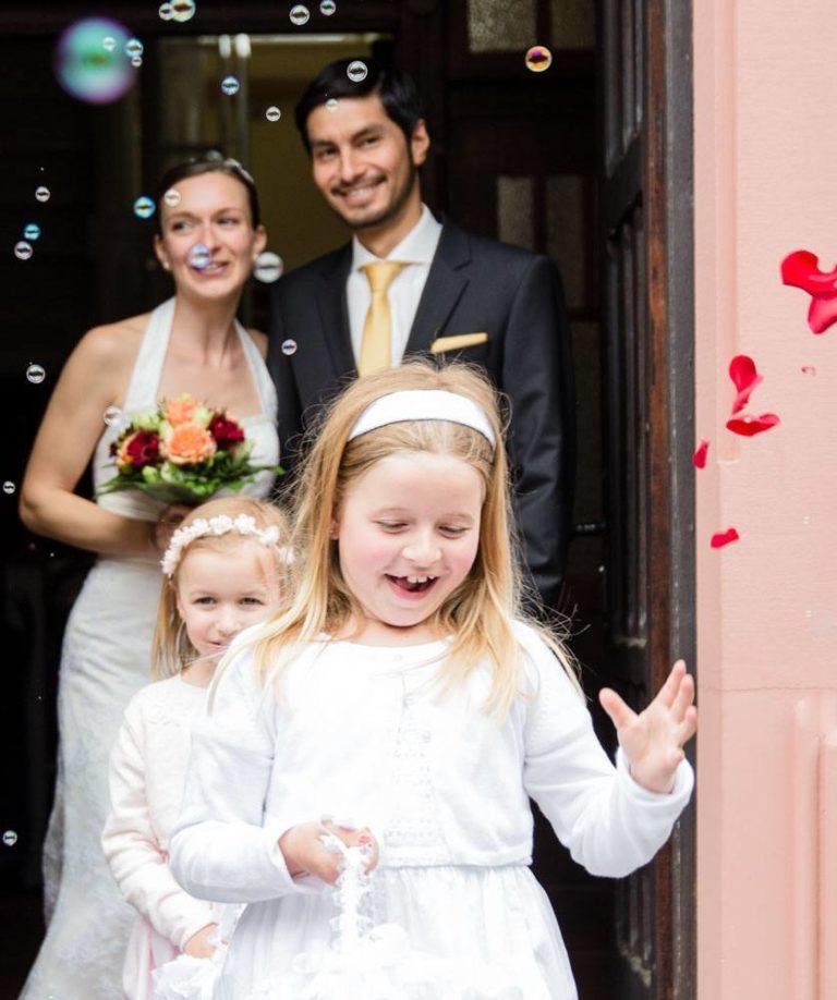 Brautpaarauszug mit Blumenkinder Pfalz