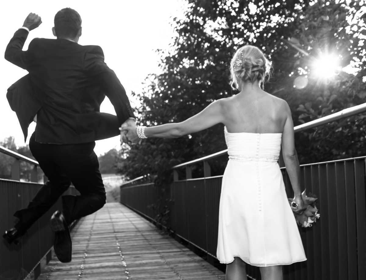 Heiraten in Ellerstadt Brautpaar Sonnenuntergang Pfalz
