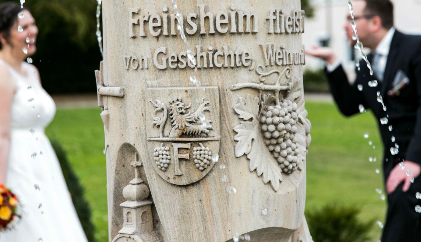 Heiraten in Freinsheim Brautpaar Park