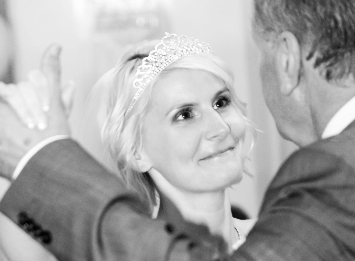Braut mit Brautvater beim Tanz
