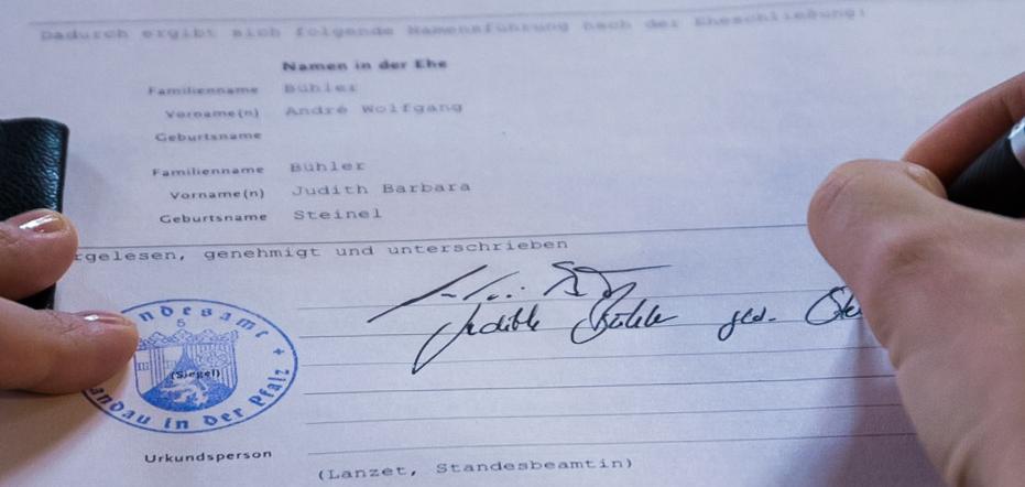 Hochzeit Standesamt Unterschrift Braut Pfalz
